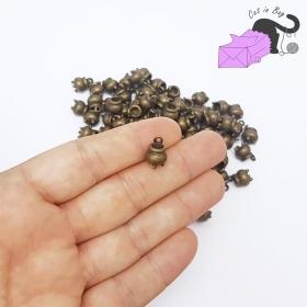 10 ciondoli a forma di calderone color bronzo