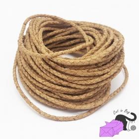 1 m di cordino intrecciato in sughero, 2,5-3 mm, colore naturale.